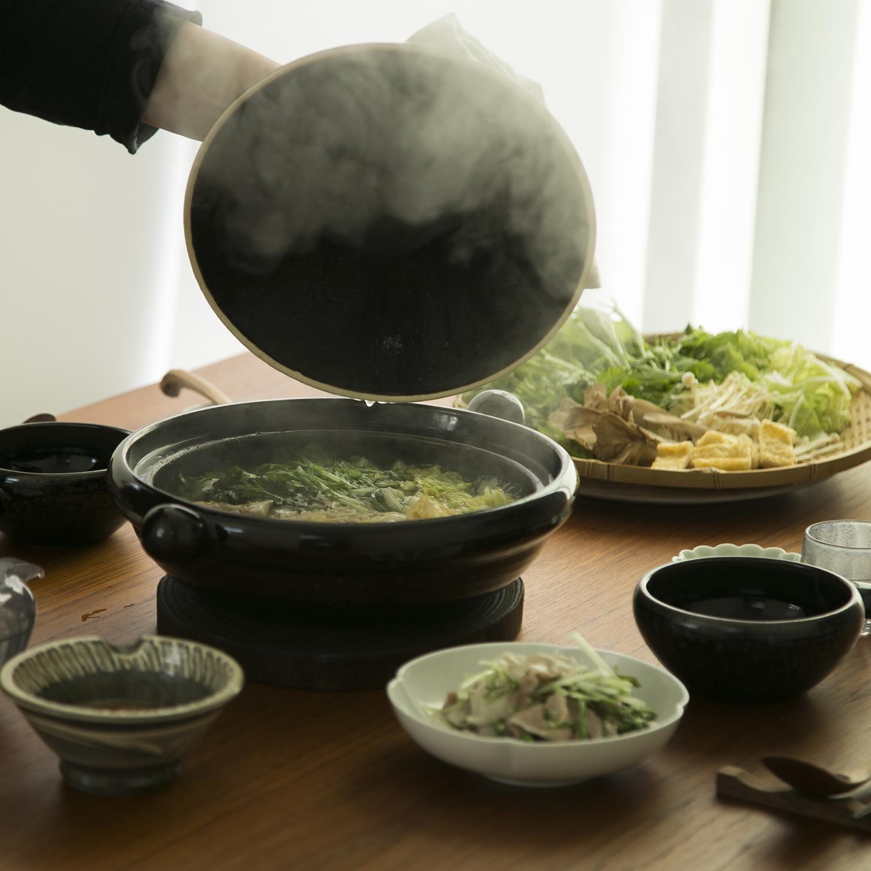 弥生陶園/丸土鍋(むしスノコ付き) 天目釉 9号