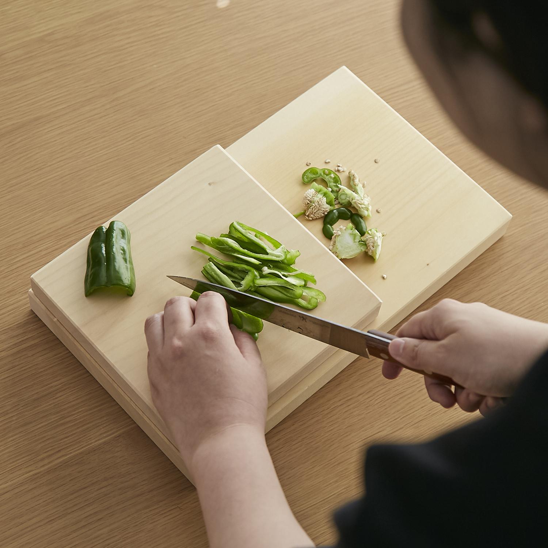 松田美智子の自在道具/いちょうの木のまな板 中